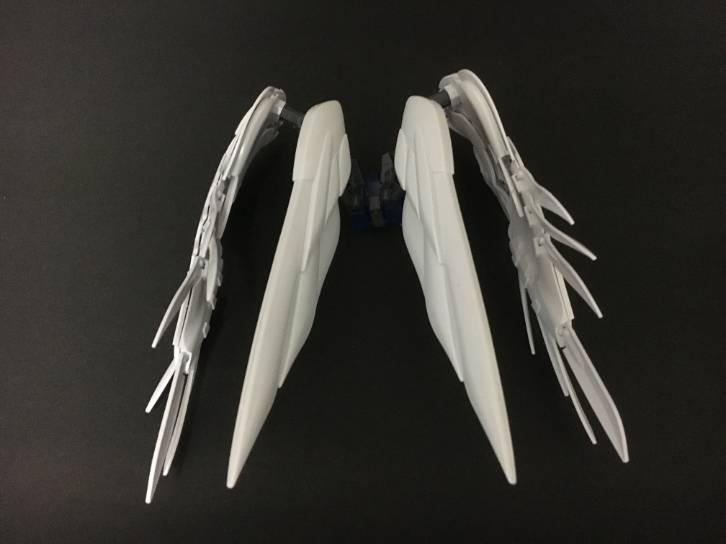 RGウイングガンダムEWの翼