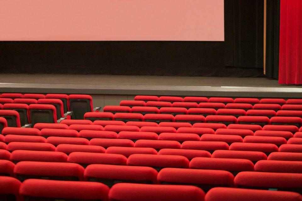【孤独を楽しむ】お一人様を満喫した全アクティビティのリアルな感想と難易度│一人映画鑑賞